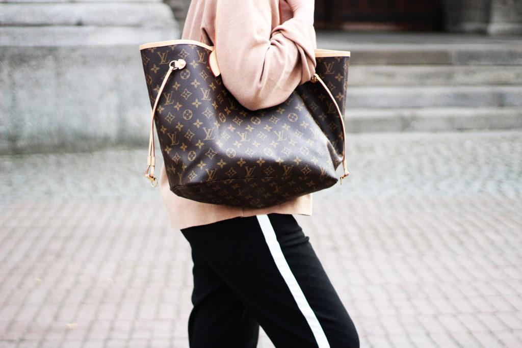 02 Netzstrumpfhosen Trend mit Tasche